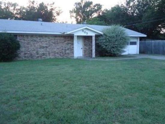 905 Dover Cir, Gainesville, TX 76240