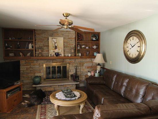 18 Foxhurst Ln, Millbrook, IL 60536