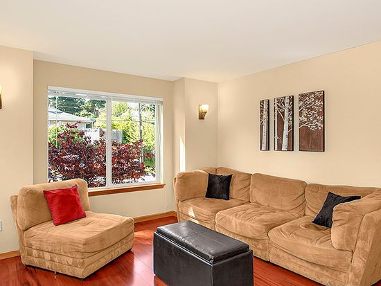10734 Whitman Ave N, Seattle, WA 98133