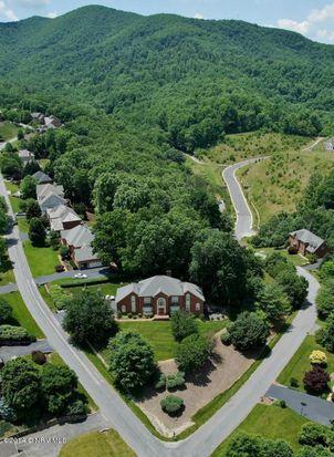 6705 Hidden Woods Dr, Roanoke, VA 24018