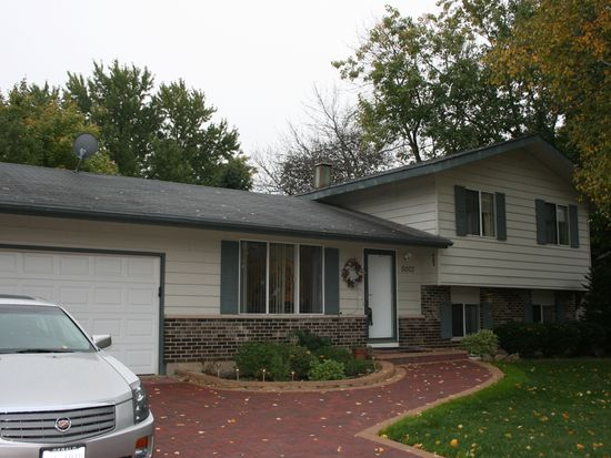 5007 W Bromley Dr, Mchenry, IL 60050