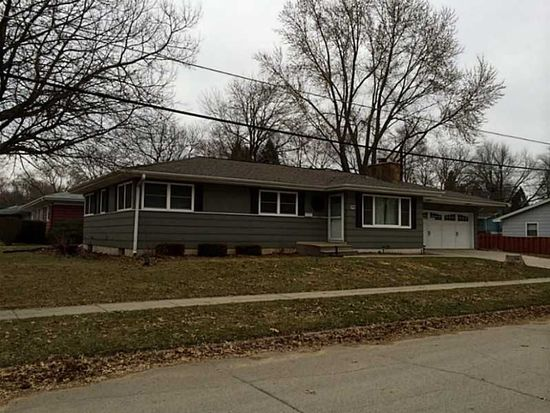 1625 Country Club Dr, Marion, IA 52302