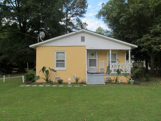 302 Goldsboro St, Fremont, NC 27830