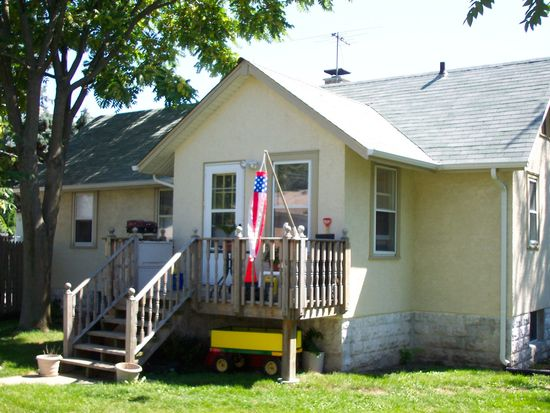 117 W Naperville Rd, Westmont, IL 60559