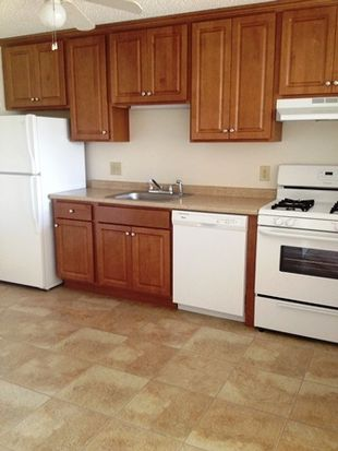 1840 Middlesex St APT 3, Lowell, MA 01851