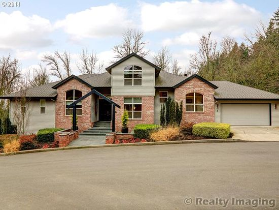 3 Creekside Ter, Lake Oswego, OR 97035