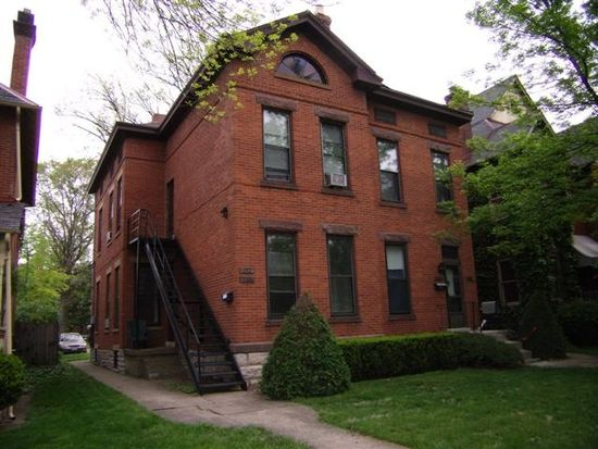 240 1/2 W Hubbard Ave, Columbus, OH 43215