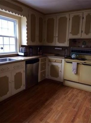 172 Plymouth St, New Bedford, MA 02740