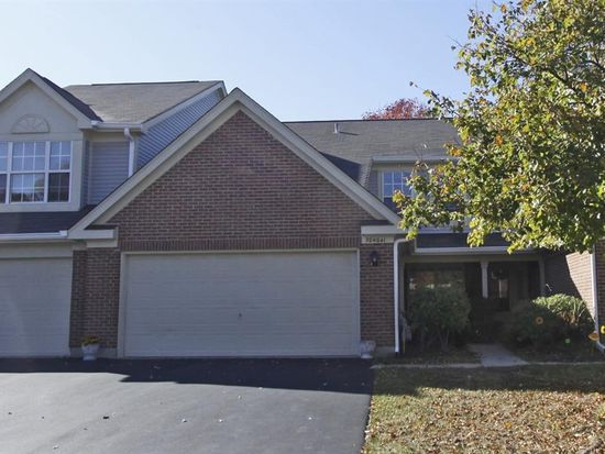 30W041 Willow Ln, Warrenville, IL 60555