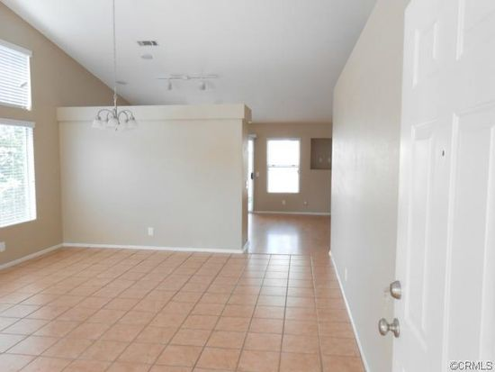 1052 Abbottswood Rd, Perris, CA 92571