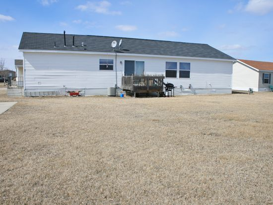 5608 W Meridian Pl, Sioux Falls, SD 57106