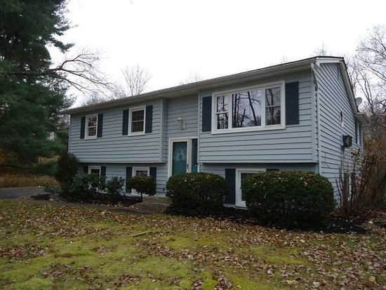 14 Baumer Rd, Wallkill, NY 12589