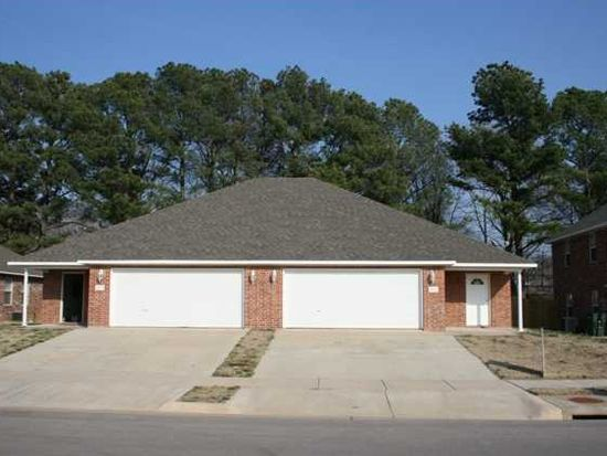 1676 N Evening Shade Dr, Fayetteville, AR 72703