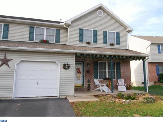 253 Hickory Dr, Fleetwood, PA 19522