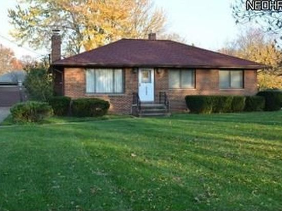 6583 Mackenzie Rd, North Olmsted, OH 44070