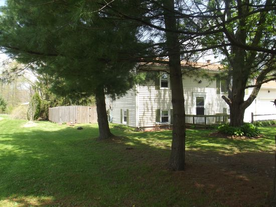 2001 Old Farm St, Ashtabula, OH 44004