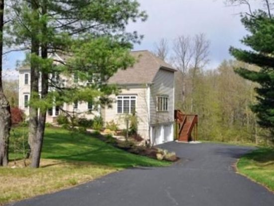 1 Bridle Path, Plainville, MA 02762