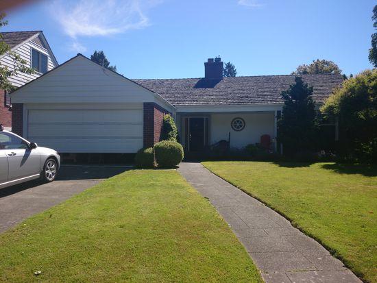 2630 W Viewmont Way W, Seattle, WA 98199
