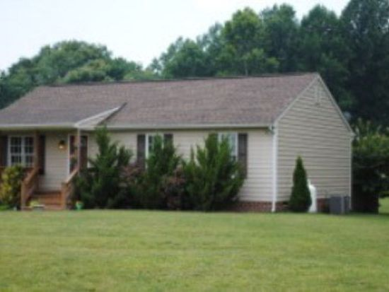 463 Sandy Point Rd, West Point, VA 23181