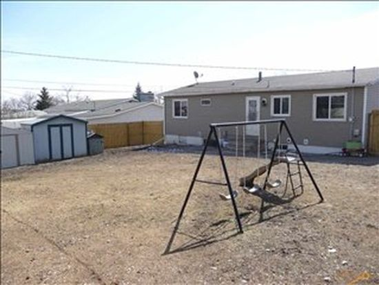 4 Idlewood Dr, Rapid City, SD