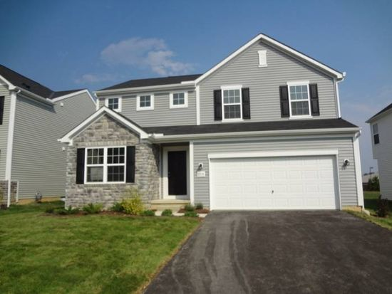 8974 Emerald Hill Dr, Lewis Center, OH 43035