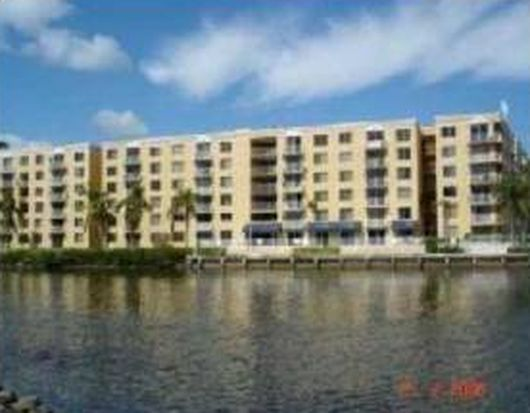 1720 NW North River Dr APT 203, Miami, FL 33125