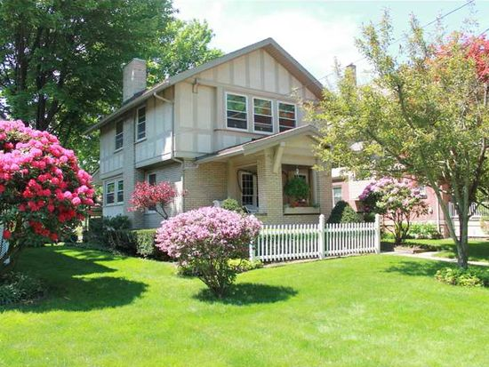 406 Woodland Ave, Grove City, PA 16127