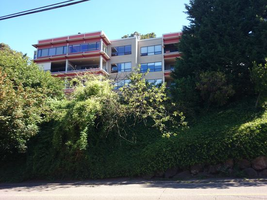620 W Mercer Pl APT 2C, Seattle, WA 98119