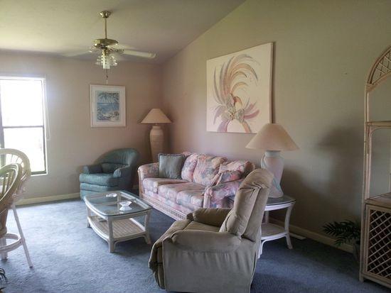 5590 Trailwinds Dr APT 425, Fort Myers, FL 33907
