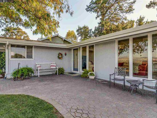 2561 Overlook Dr, Walnut Creek, CA 94597