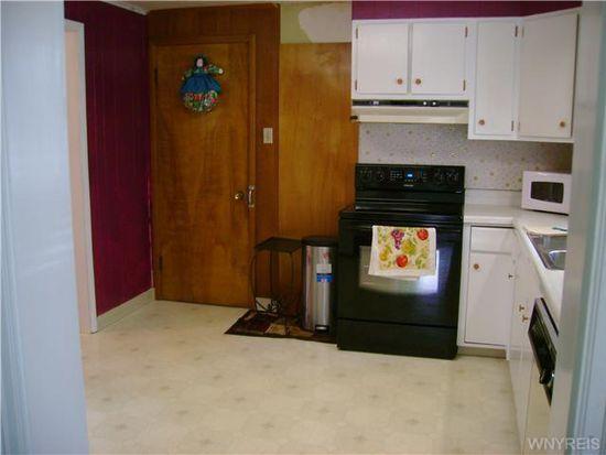 3023 Delancey Rd, Niagara Falls, NY 14305