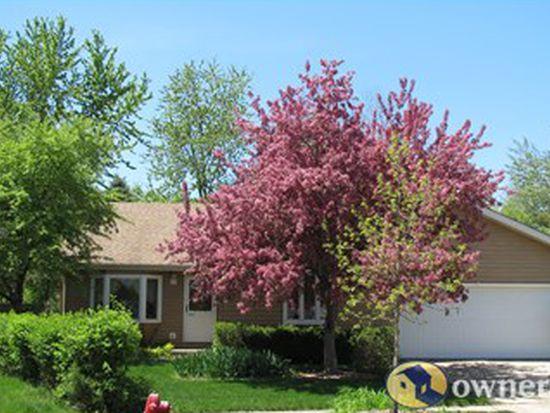 30W321 Heather Ct, Warrenville, IL 60555