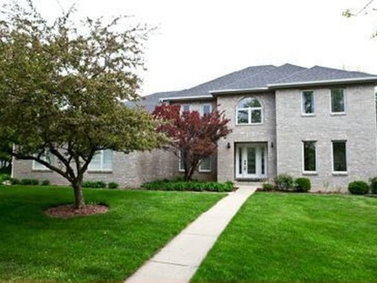 600 Leesburg Ct, Naperville, IL 60540