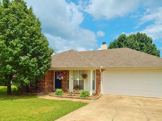 242 Sunchase Dr, Brandon, MS 39042