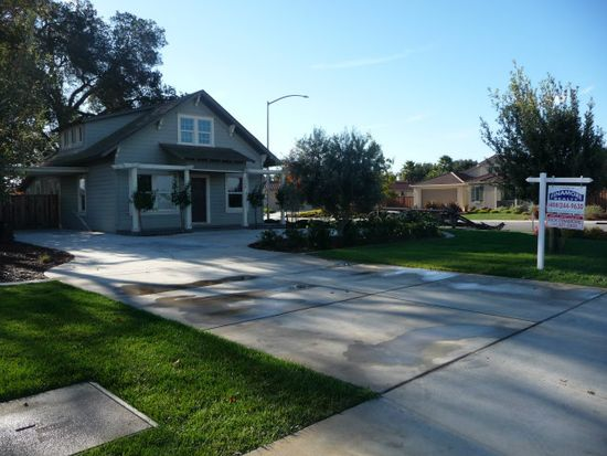 1490 Diana Ave, Morgan Hill, CA 95037
