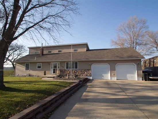 536 River Forest Rd, Evansdale, IA 50707