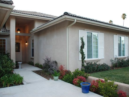 226 Candy Ln, Redlands, CA 92373