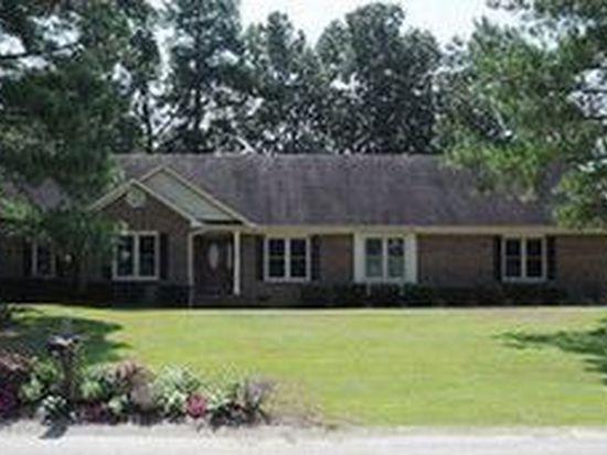 926 Red Cedar Ln, Fayetteville, NC 28306