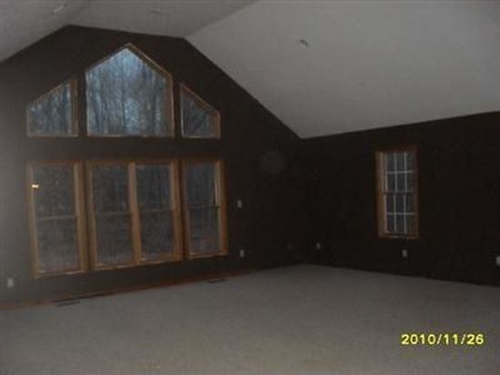 1174 State Rd, Rock Creek, OH 44084