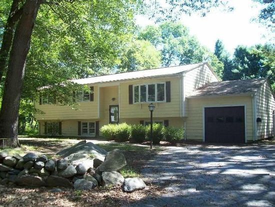 221 Edmond Dr, North Kingstown, RI 02852