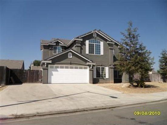 2310 E Ticonderoga Dr, Fresno, CA 93720