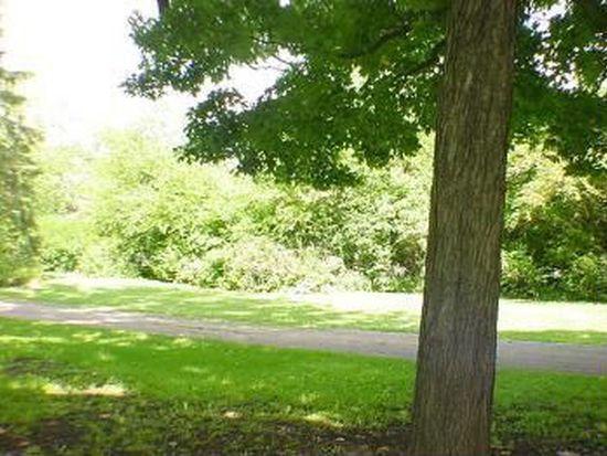 87 Briarwood Ln, Palatine, IL 60067