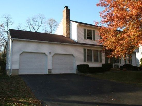 16 Stephanie Ln, Robbinsville, NJ 08691