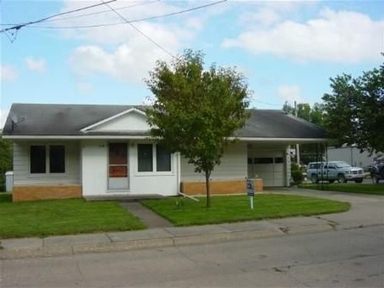 519 N 12th St, Centerville, IA 52544