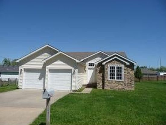 1610 Regan Ave, Carthage, MO 64836