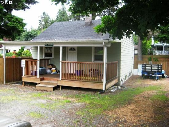 615 Division St, Oregon City, OR 97045