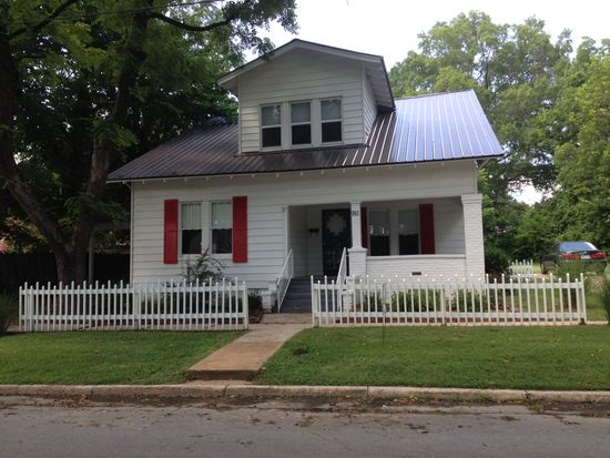911 Gloster St, Corinth, MS 38834