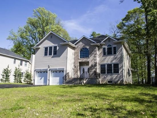 14 Reynolds Ave, Whippany, NJ 07981