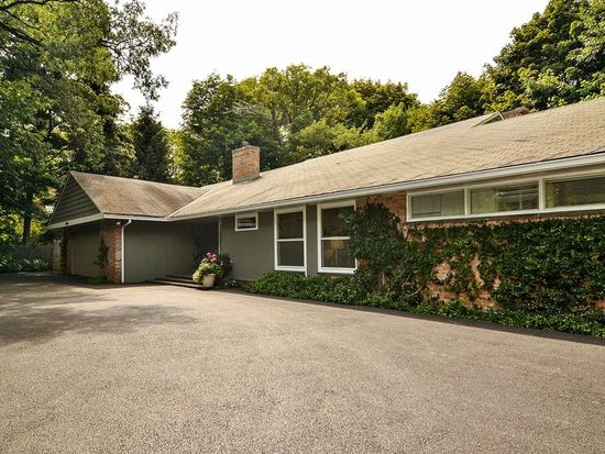 1680 Forest Ave, Highland Park, IL 60035