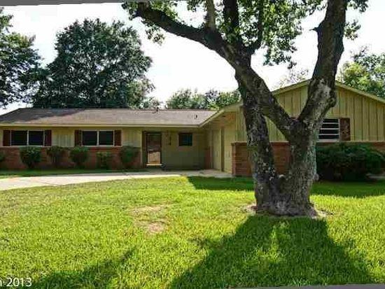 370 Enfield Ln, Beaumont, TX 77707